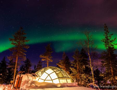 Северното сияние и Финландските стъклени иглута