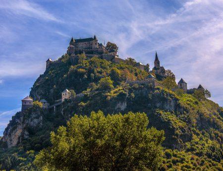 Средновековният замък Хохостервиц