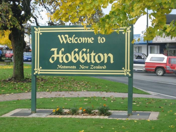 EN-Hobbiton-Matamata-NZ-Attribution-Share-Alike25