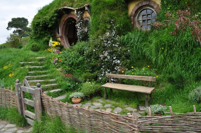 hobbiton_in_new_zealand_by_irissiel-d5q8m1v