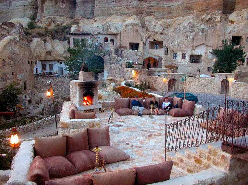 Скален хотел в Кападокия