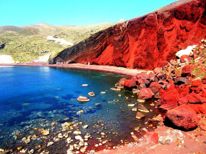 червен плаж на Санторини